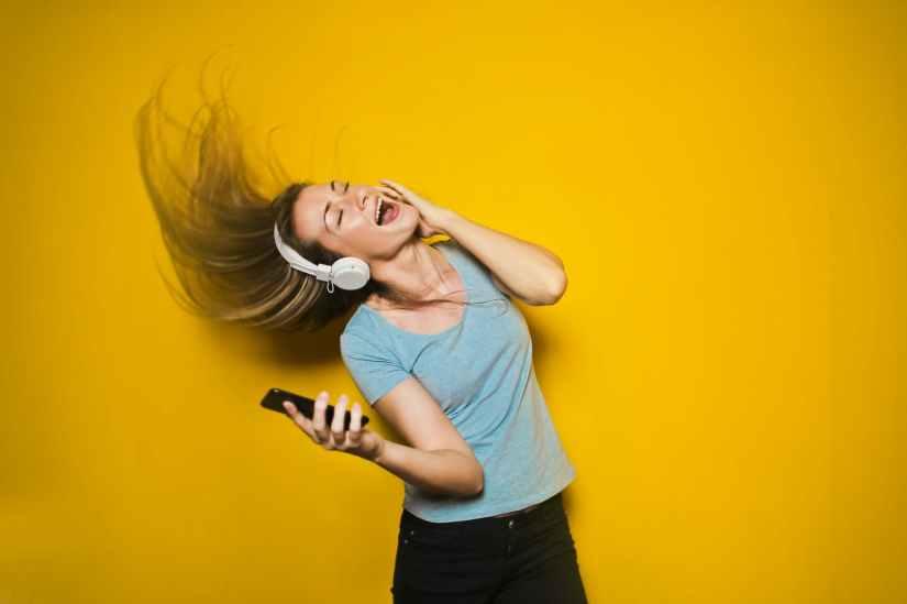 Todays music…Lisa Hannigan, Raphael Sadiq and Mohorizons